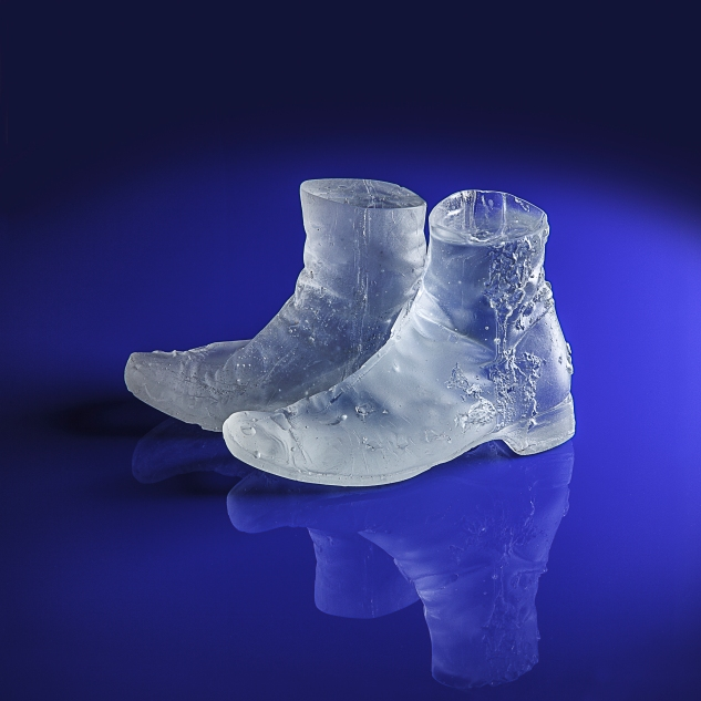 17-BOOTS-GLASS